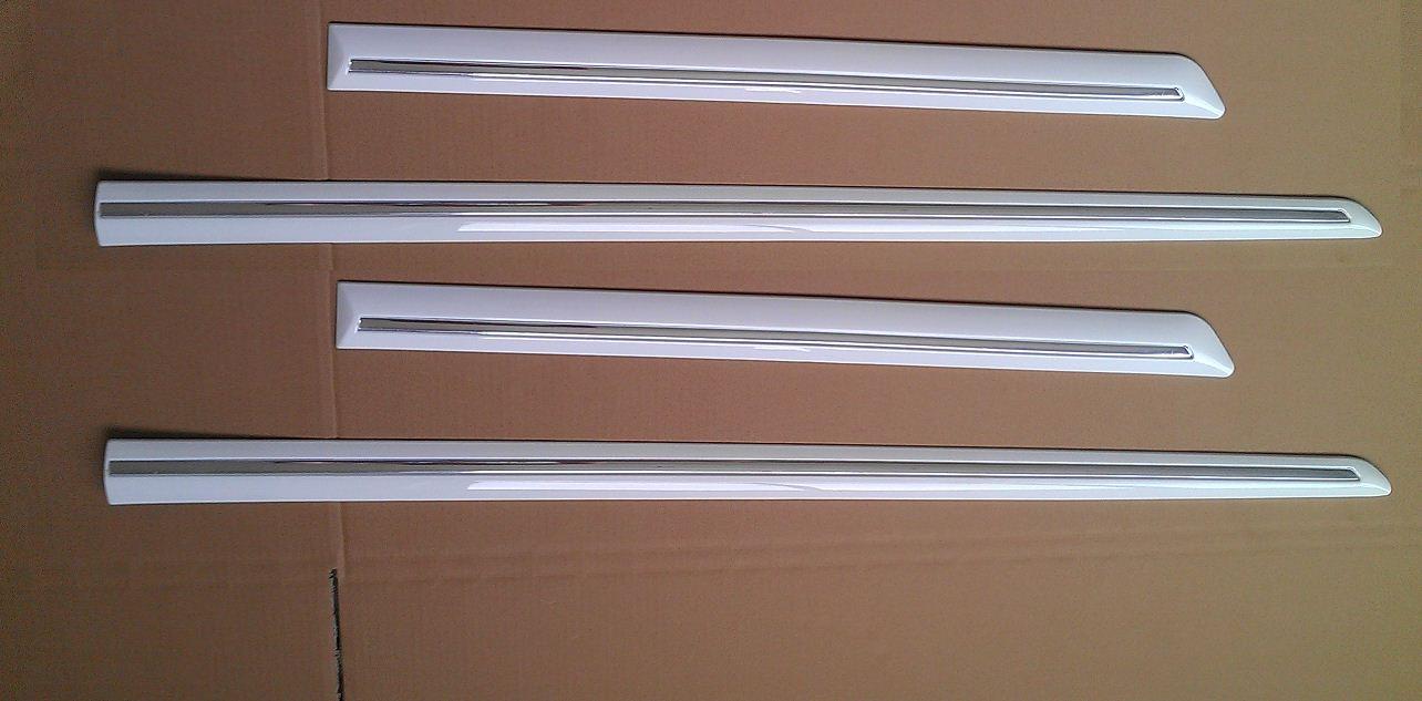 BDS37273(WHITE)                                  - COROLLA 07- W/SHINNING LINE (FOUR PCS/SET)                                  - Body strip                                 ....131068