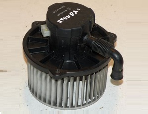 BLM70592                                  - ACCENT 00-05                                   - Blower Motor                                 ....171448
