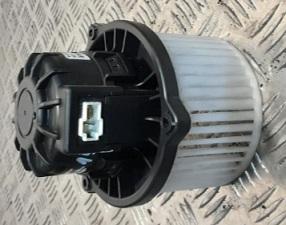 BLM82150                                  - SORENTO III UM 2016-2018                                  - Blower Motor                                 ....186302